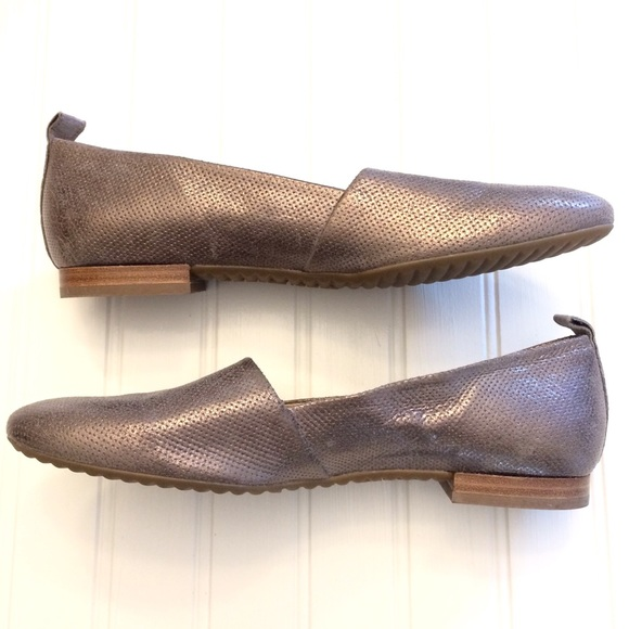 watch ed5b6 577ef NWOT Paul Green Naomi silver metallic loafer flats